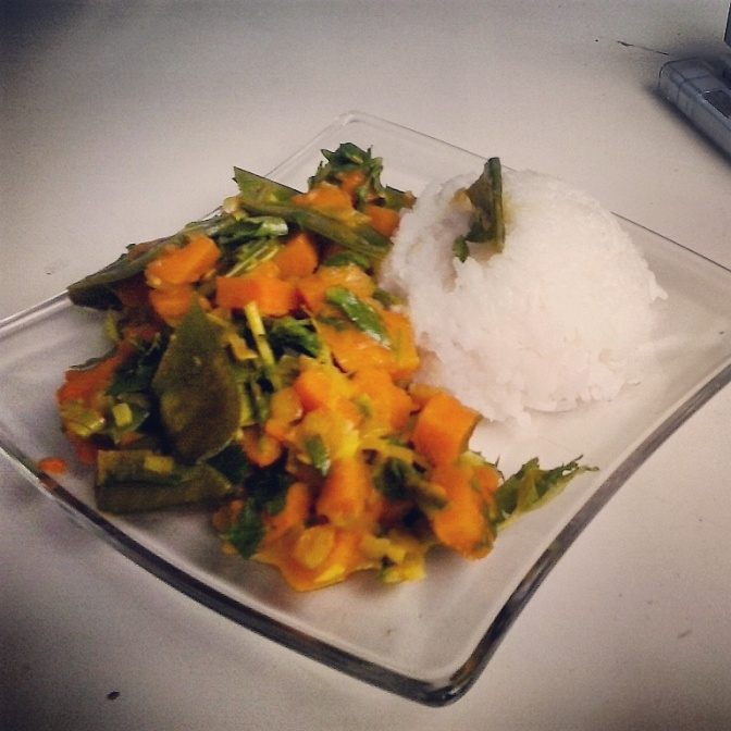 Süßkartoffel-Zuckerschoten-Curry mit Basmati